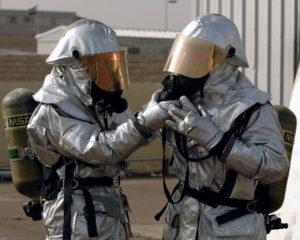 Vigili del fuoco in lavoro per smaltimento amianto