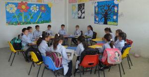 Bambini in una scuola