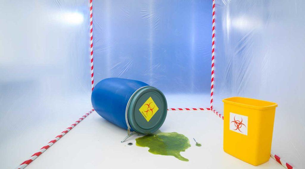 fusto e materiale inquinante